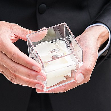 Acrylic Wedding Ring Box - Feather Whimsy Etching