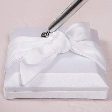 Beverly Clark Tie the Knot Collection Penholder