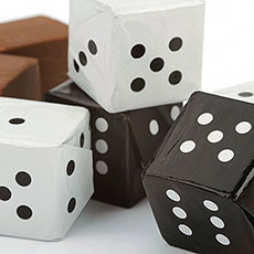 Black & White Chocolate Praline Dice Favors Pack