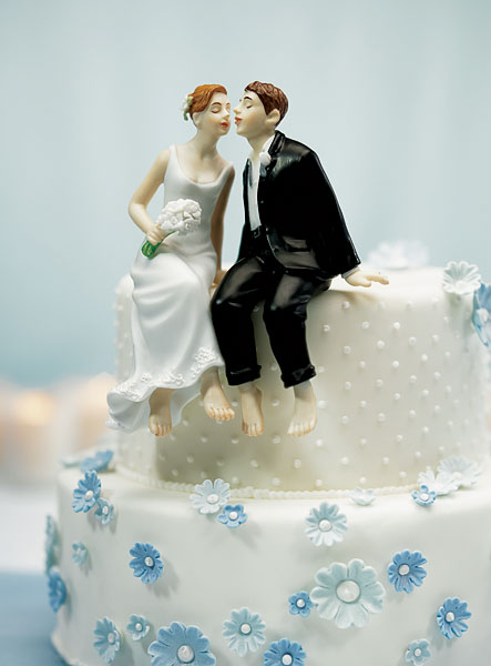 Lean In For A Kiss Cake Topper
