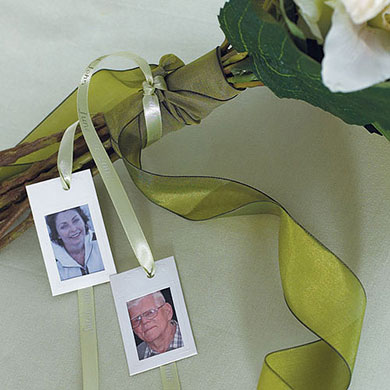 mini wedding reception paper photo frames