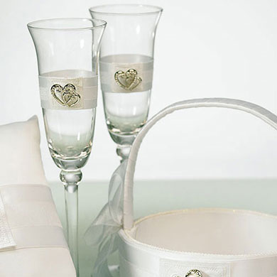 Classic Double Heart Wedding Reception Toasting Flutes Set