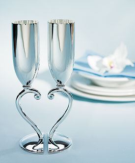 Classic Styling Interlocking Heart Stem Wedding Reception Toasting Flutes