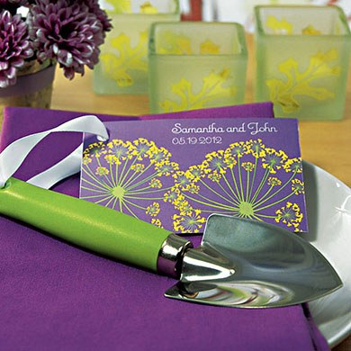 mini garden shovel wedding favor