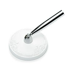 Elegant Round in White Pen Base